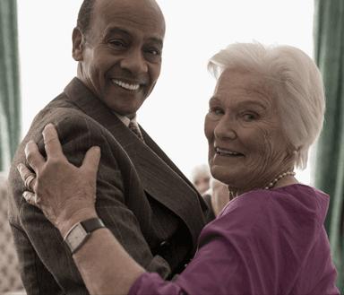 Elderly_Couple_Smiling